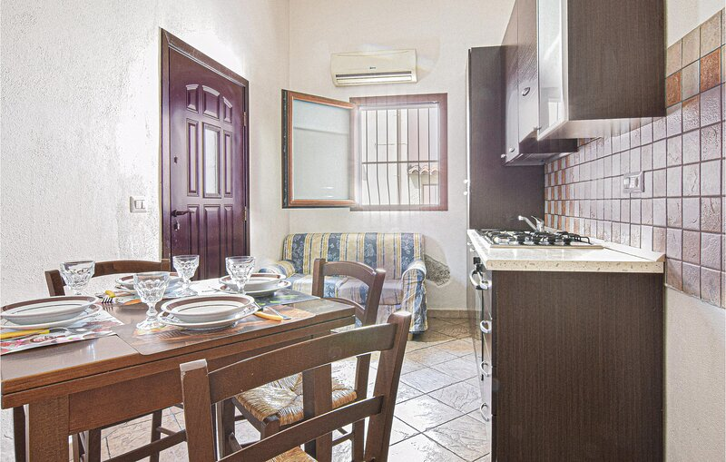 Beautiful apartment in Galtelli' with 2 Bedrooms (IGS104), holiday rental in Galtelli