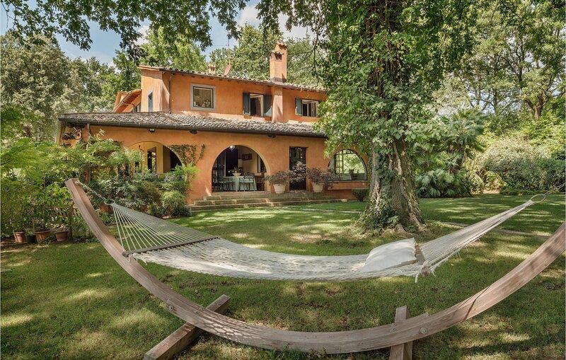 Stunning home in Sant'Oreste with 5 Bedrooms (IRU396), aluguéis de temporada em Sant'Oreste