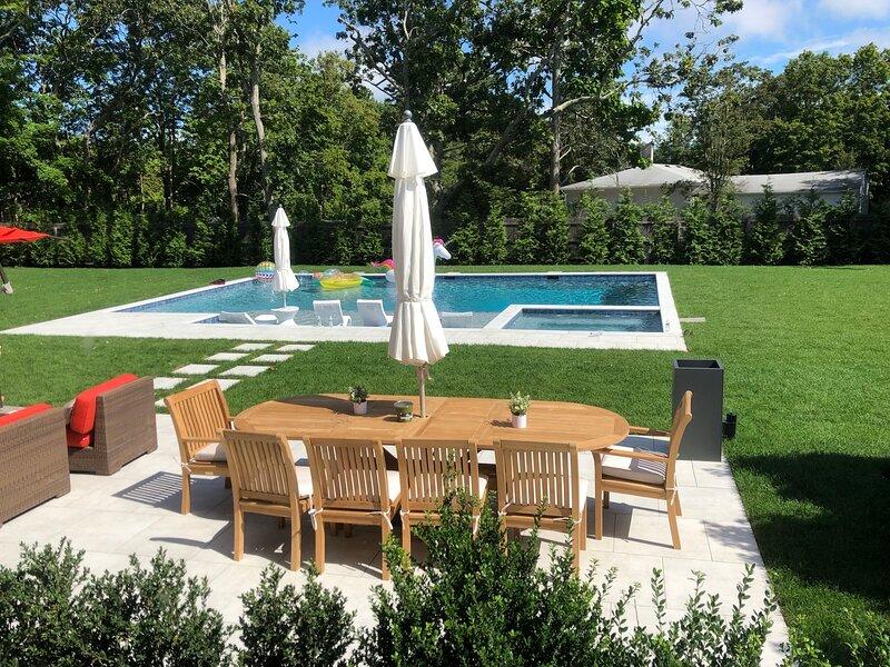 Brand new, Hamptons beach house w/gunite pool & spa, holiday rental in Quogue