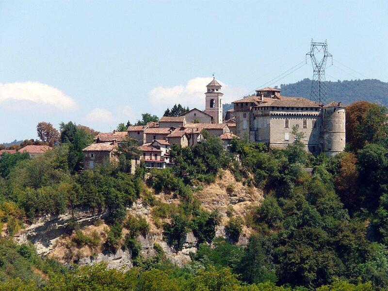 Oasi CastellodiLerma nel Monferrato Panoramico Park Room, holiday rental in Serravalle Scrivia
