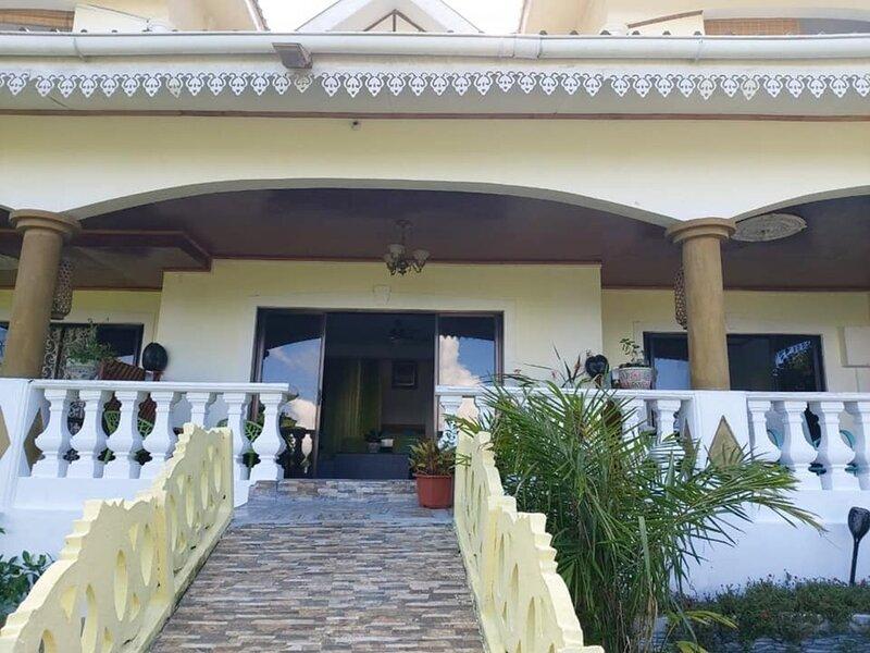 Le Niole Villa 2-Bed House, vacation rental in La Misere