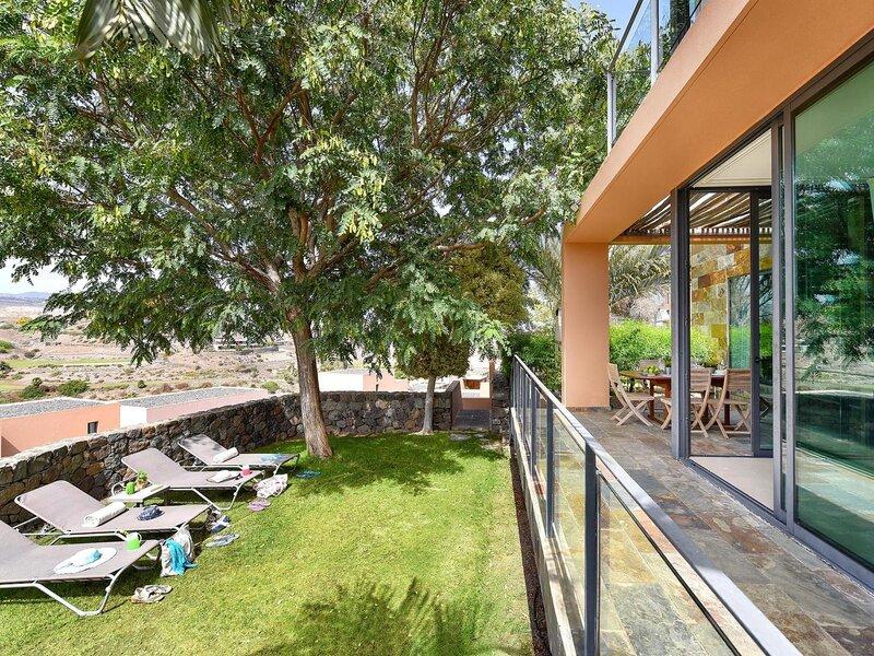 Villa Los Lagos 40, vacation rental in El Salobre