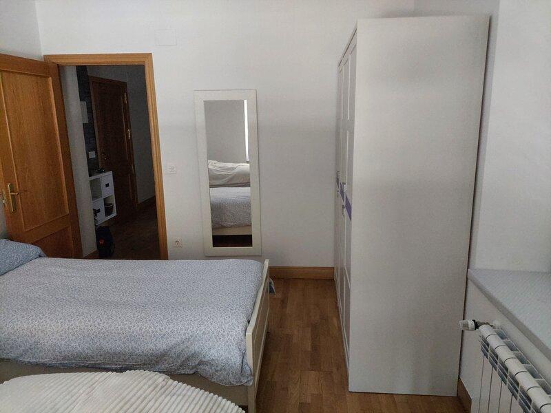 Precioso apartamento en Deba, cerca de la playa, gran terraza y garaje propio, alquiler de vacaciones en Bergara