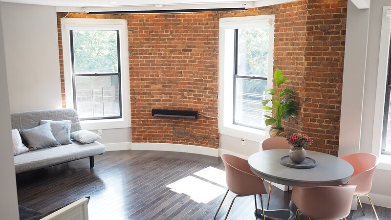 Large 2BR/2BA Apartment in front of Central Park & the Subway, holiday rental in New York City