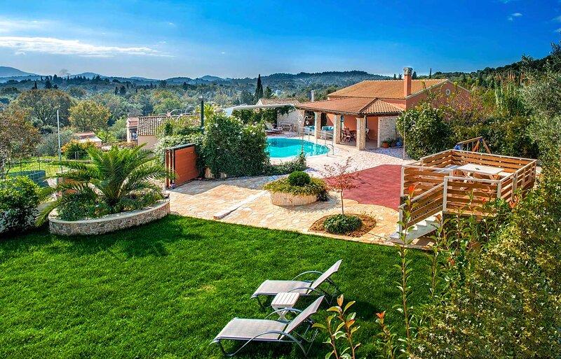 Villa Emily in Dassia, holiday rental in Tzavros