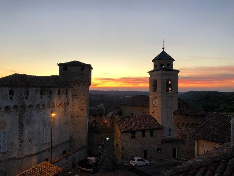 Lemon Suite panoramic in Medieval Borgo- Lerma -, holiday rental in Campo Ligure