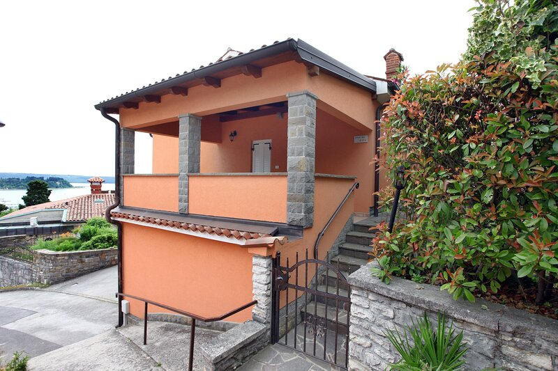 Portoroz Vintage Apartment with Amazing Sea View MO1, holiday rental in Portoroz