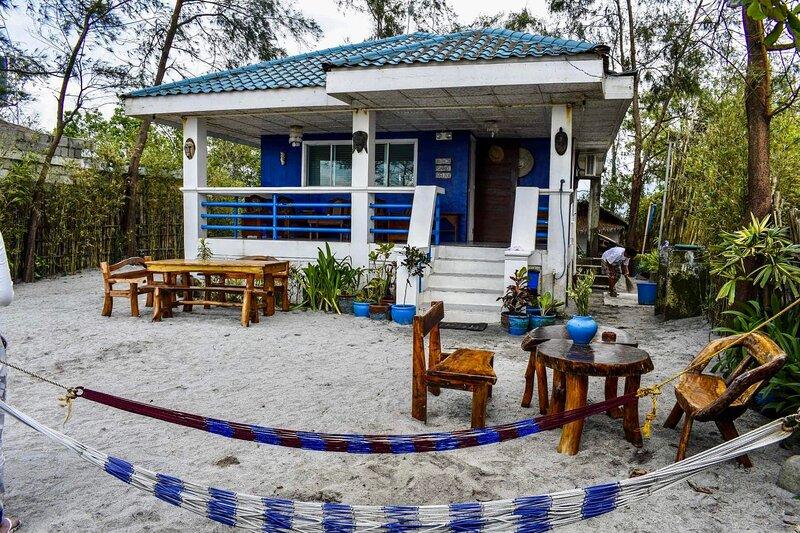 aZul Zambales beachfront house, location de vacances à Luzon