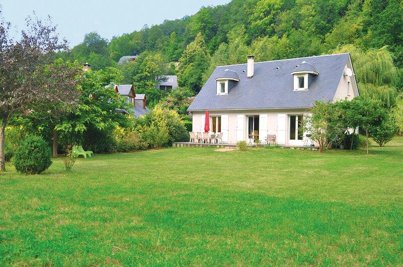 Maison tout confort pour votre séjour en famille, vacation rental in Gouaux