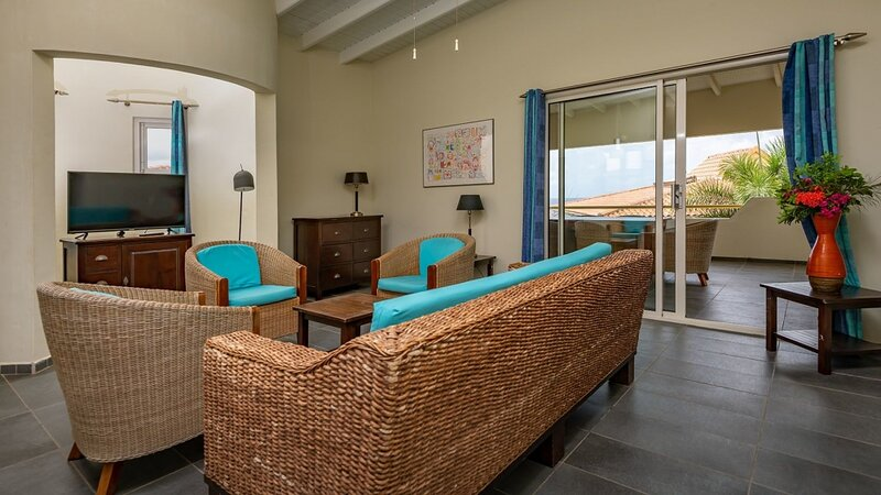 Luxurious Penthouse Caribbean Club, holiday rental in Sabadeco