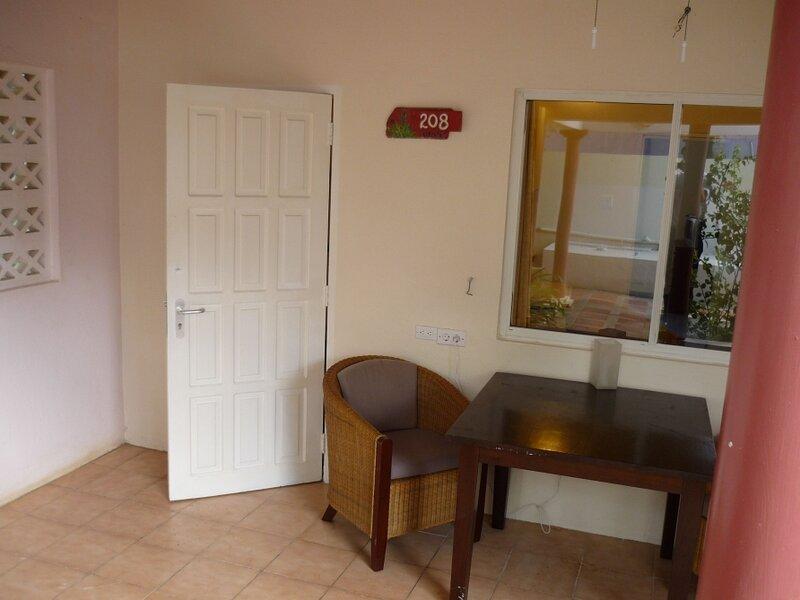 1BR Stylish Apartment Caribbean Club, holiday rental in Sabadeco