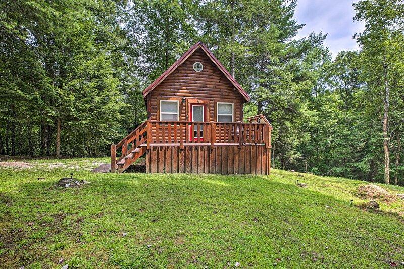 NEW! Off-the-Grid Cabin Living in Red River Gorge!, aluguéis de temporada em Beattyville