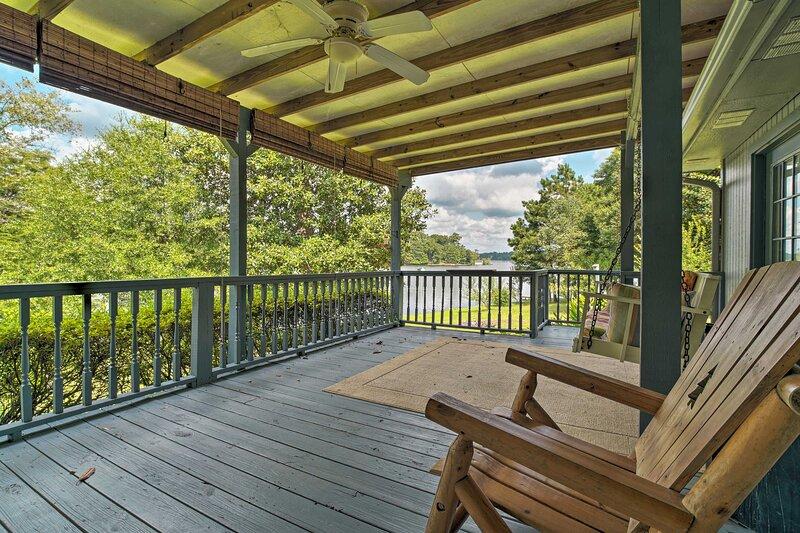 NEW! Serene Lakefront Escape w/ Dock: Swim & Fish!, holiday rental in Woodville