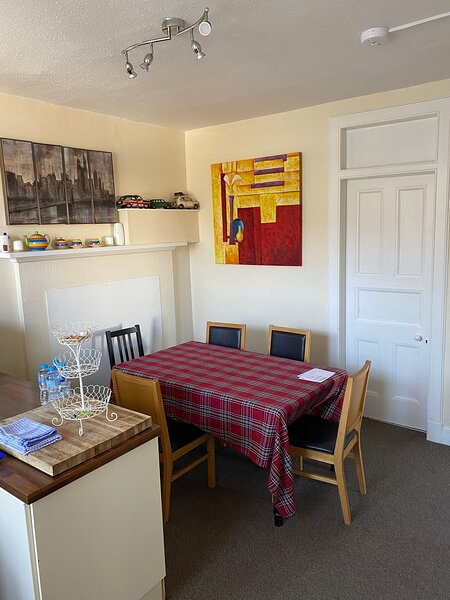 Listed Large Flat in the heart of Aberfeldy, alquiler vacacional en Weem