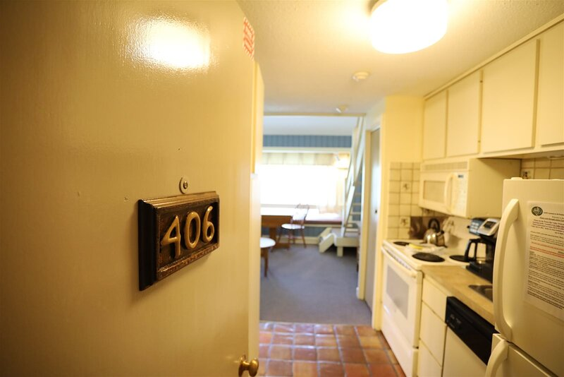Loft Unit at Inns of Waterville Valley with complimentary passes to White Mounta, holiday rental in Waterville Valley
