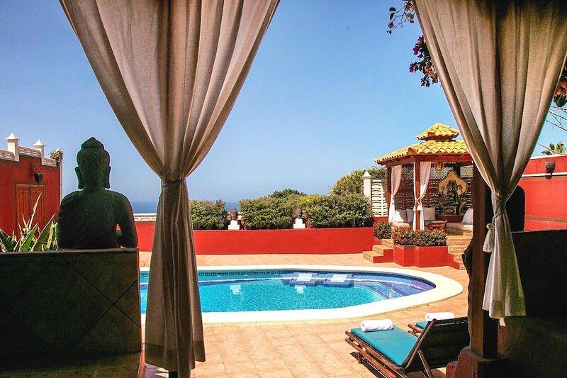 VILLA ZEN ☼ Thai style villa in Costa Adeje with heated pool ☼, aluguéis de temporada em Costa Adeje