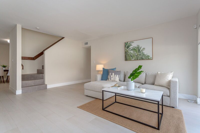 Orduna Court | Coral Gables | Penthouse 3BR + 2BTH, holiday rental in Palmetto Bay