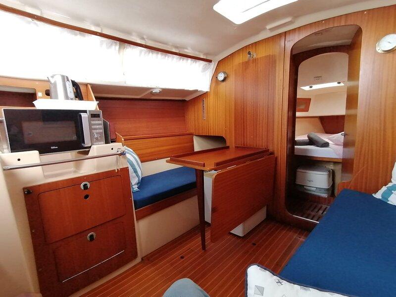 Cozy Sailboat in Port del Forum, vakantiewoning in Sant Adria de Besos