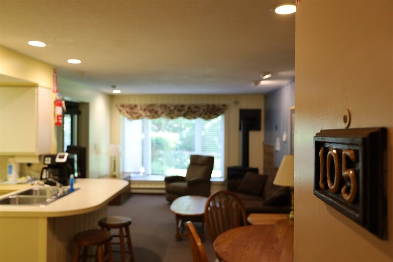 Garden Level Inns Of Waterville Valley Unit with Private Hot and Patio!, holiday rental in Waterville Valley