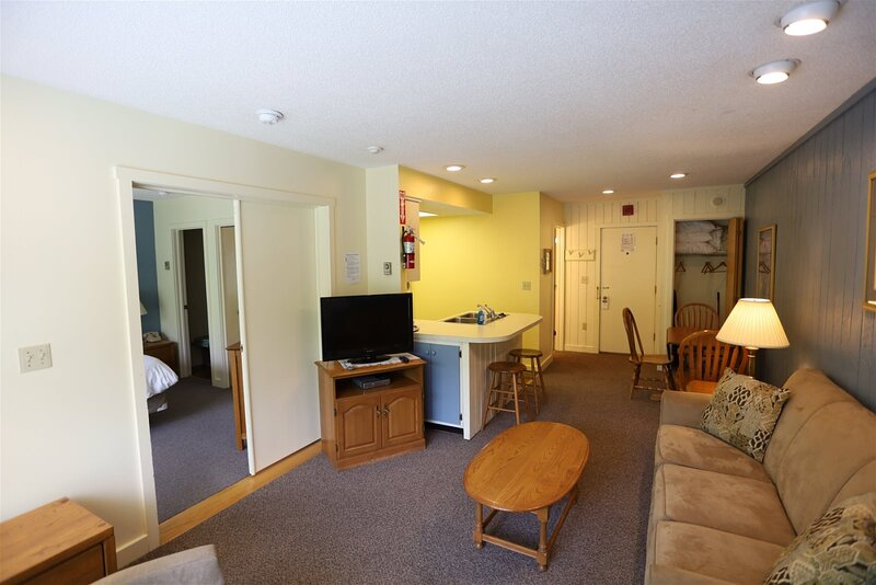 Inns of Waterville Valley one bedroom Condo close to Town Square, holiday rental in Waterville Valley