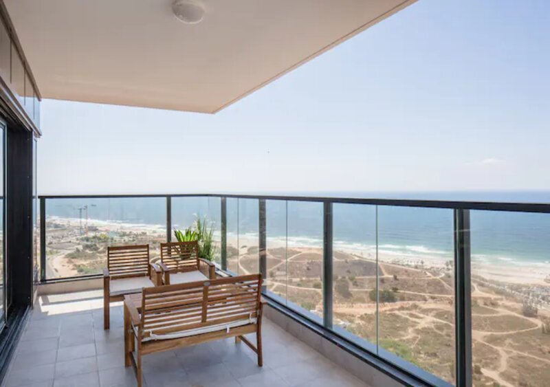O&O Group- Magical 4BR APT With Panoramic Sea View, holiday rental in Lod