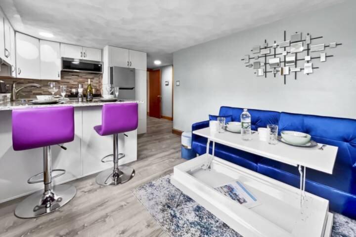 New! Renovated Private Apartment near Boston, Eateries, Encore Casino, Mass Gene, alquiler de vacaciones en Boston