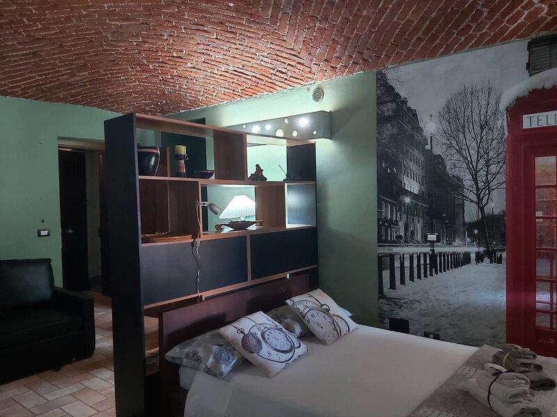 piccolo loft nel cuore di Piazza Garibaldi, holiday rental in Felizzano