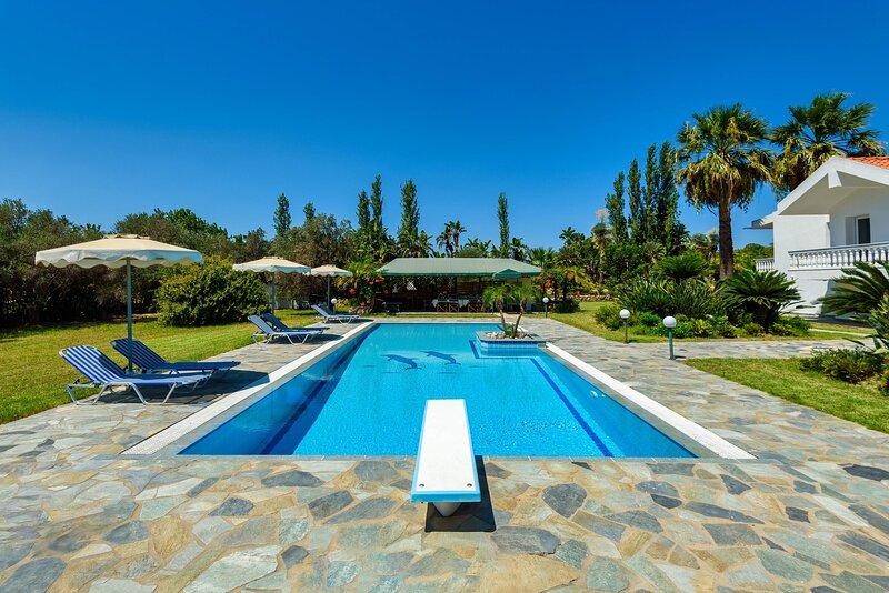 Villa Sutherlea, location de vacances à Koskinou