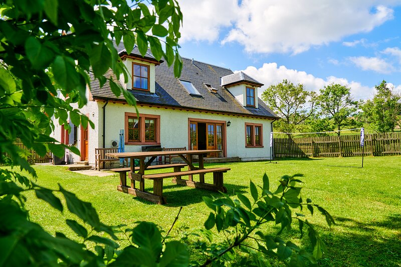 Holly House Wester Derry Farm, holiday rental in Bridge of Cally