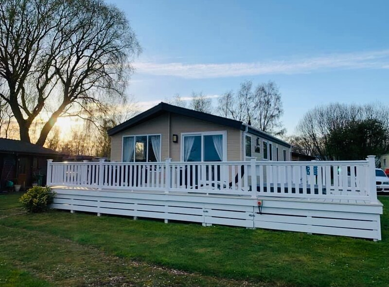 Lock Down Luxury Lodge, holiday rental in South Kyme