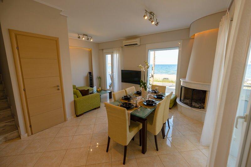 Lemoni Luxury Residence in front of the sea, holiday rental in Sofiko