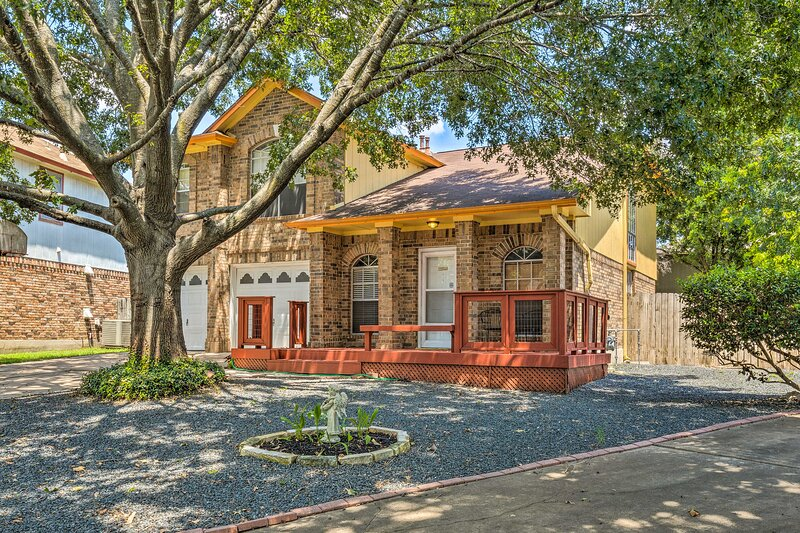 NEW! Austin House w/ Back Yard - 15 Mi to Downtown, vacation rental in Cedar Park
