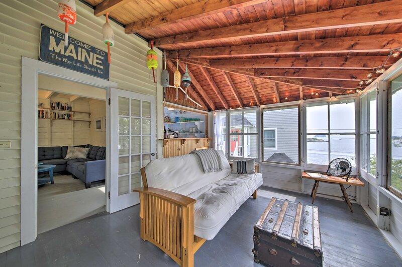NEW! Georgetown Cabin w/ Beautiful Oceanfront View, vacation rental in Georgetown