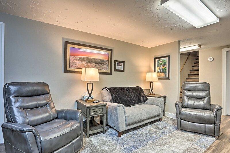 NEW! Cozy & Convenient Sturgis Apt Off Main Street, vacation rental in Sturgis