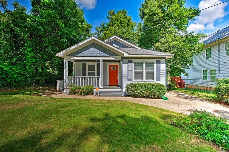 NEW! Charming + Chic Abode - 5 Mi to Dtwn Atlanta!, holiday rental in Hapeville
