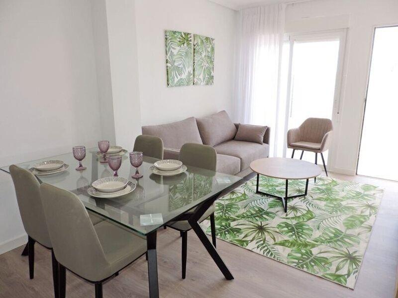Beautiful house with pool & roof terrace In Murcia, aluguéis de temporada em Molina de Segura