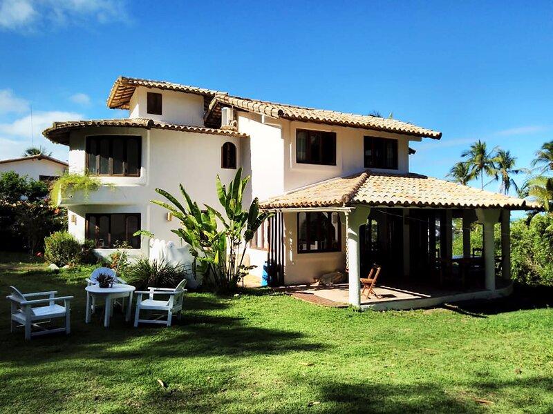 Casa com churrasq e WiFi em Arraial D'Ajuda - NOVO, vacation rental in Arraial d'Ajuda
