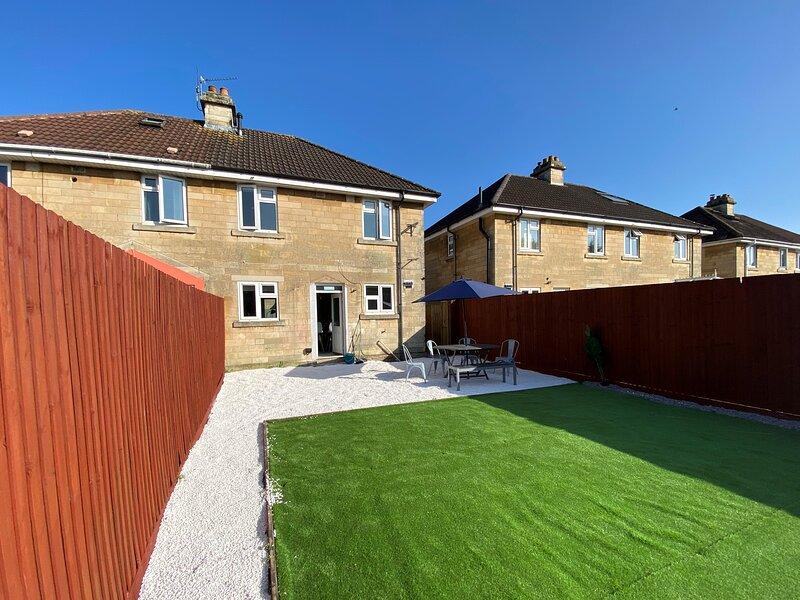 Happy Garden House of Bath (perfect for contractors or families), location de vacances à Faulkland