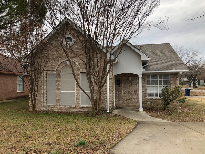 3 bedrooms & two full bath beautiful home, casa vacanza a McKinney