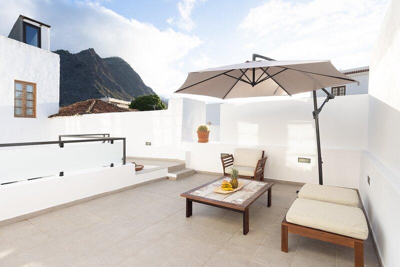 Spectacular Studio Los Silos, Terrace, holiday rental in Los Silos