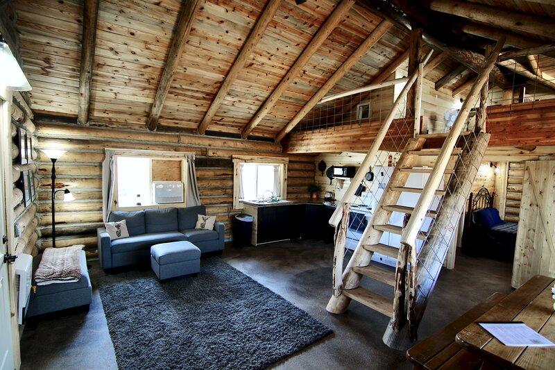 Split Ridge Cabin near Blanding Utah, holiday rental in Blanding