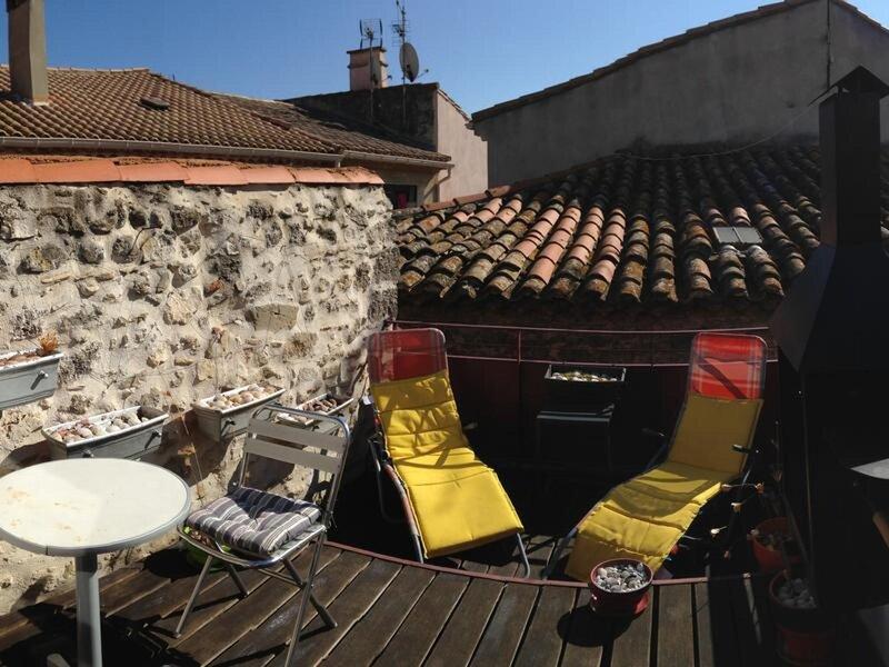 Arch design contemp house in old historic 14 optional 4 day wine n gourmet, location de vacances à Lespignan