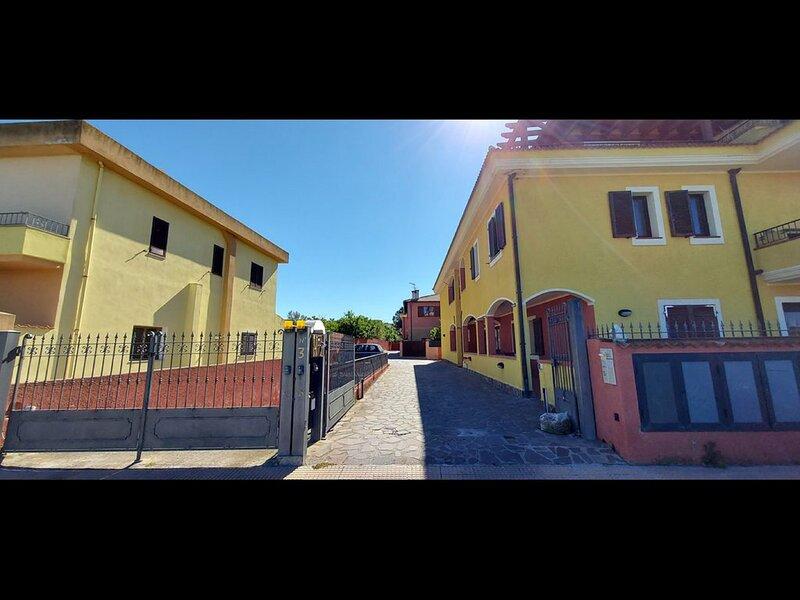 Nuovissimo appartamento a 10 minuti dal mare, location de vacances à Chiaramonti