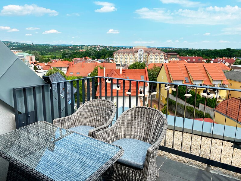 Panorama view apartment in city center, holiday rental in Heviz