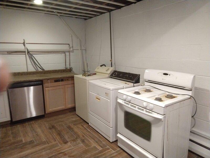 Indoors,Room,Oven,Flooring,Floor
