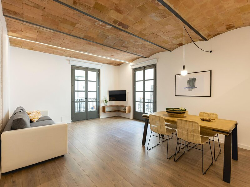 Entresol B - Holiday apartment in Girona, holiday rental in Quart
