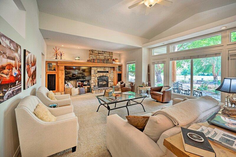 NEW! Luxe Boise Home w/ Patio: Golf, Hike, Explore, casa vacanza a Garden City