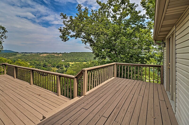 NEW! Secluded Flippin Home < 2 Mi to White River!, holiday rental in Bull Shoals