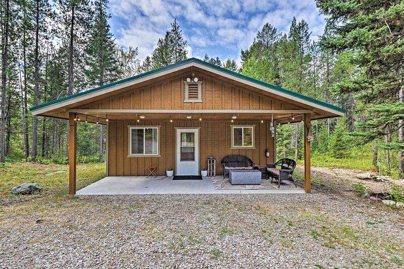 NEW! Secluded Cabin - 4 Mi to Glacier Nat'l Park!, holiday rental in West Glacier