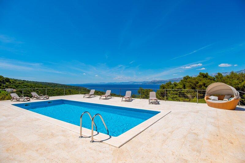 Beautiful Villa Casa di Serenade, vacation rental in Gornji Humac